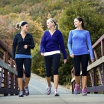 Depositphotos_40844337_3-walking-young-women-1600-yobro10