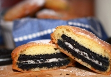 Deep-Fried-Oreo-Cut-in-Half