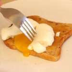 How to Make Perfect Poached Eggs.00_01_10_03.Still016