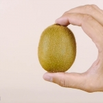 How to Peel a Kiwi or Mango.00_00_01_20.Still001